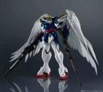 Bandai Gundam Universe – Wing Zero Custom